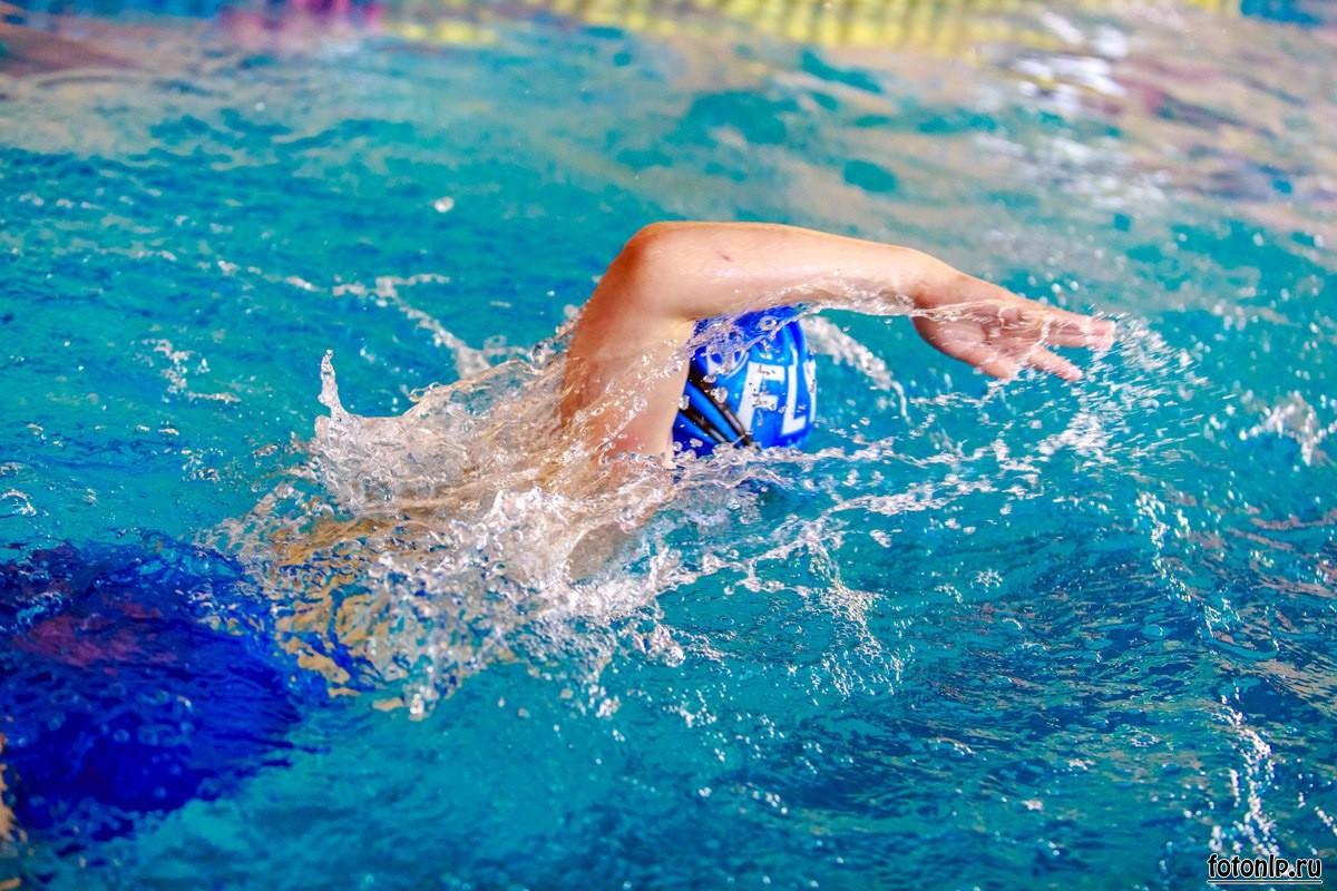 спортивная-фотосъёмка-плавание