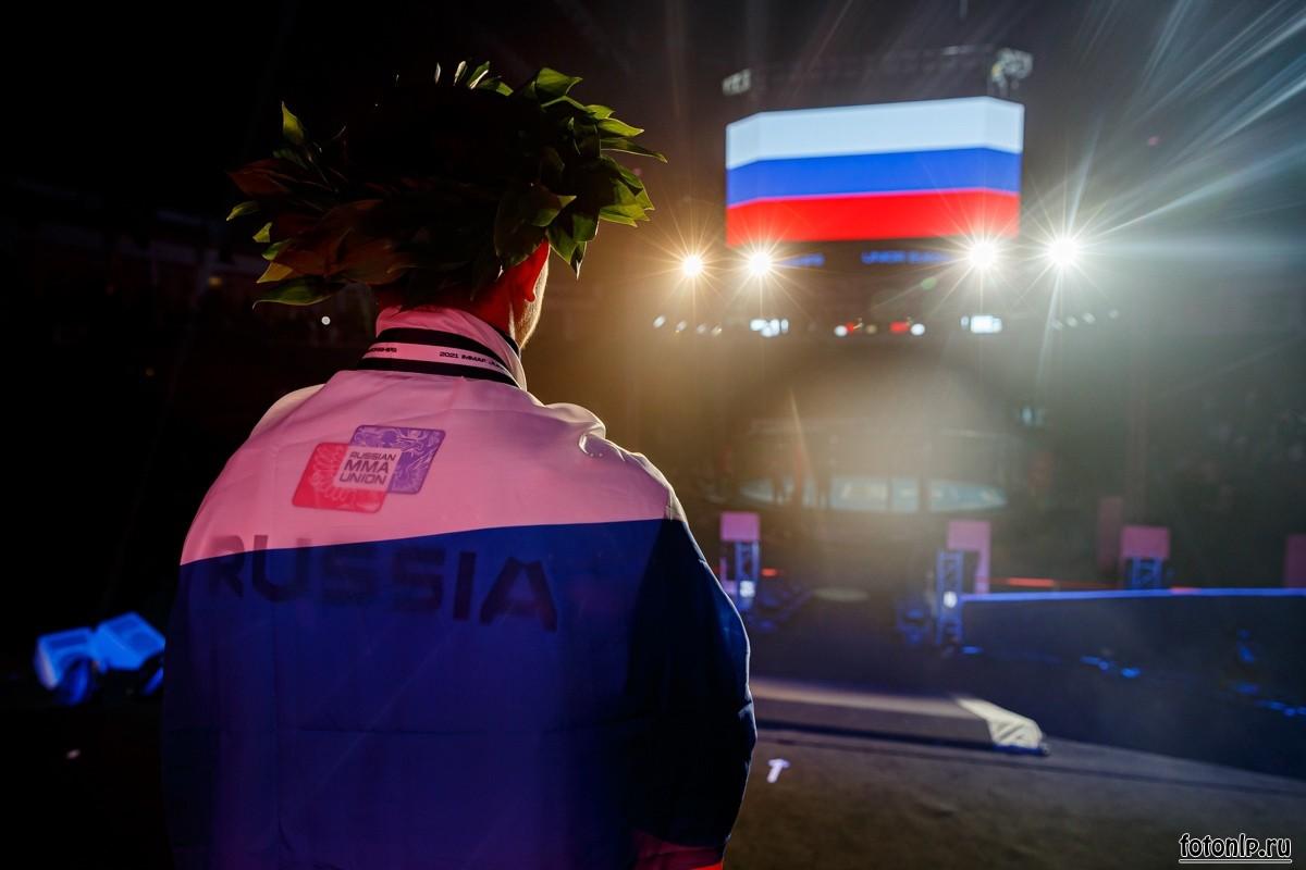 Награждение-чемпионат-европы-по-мма